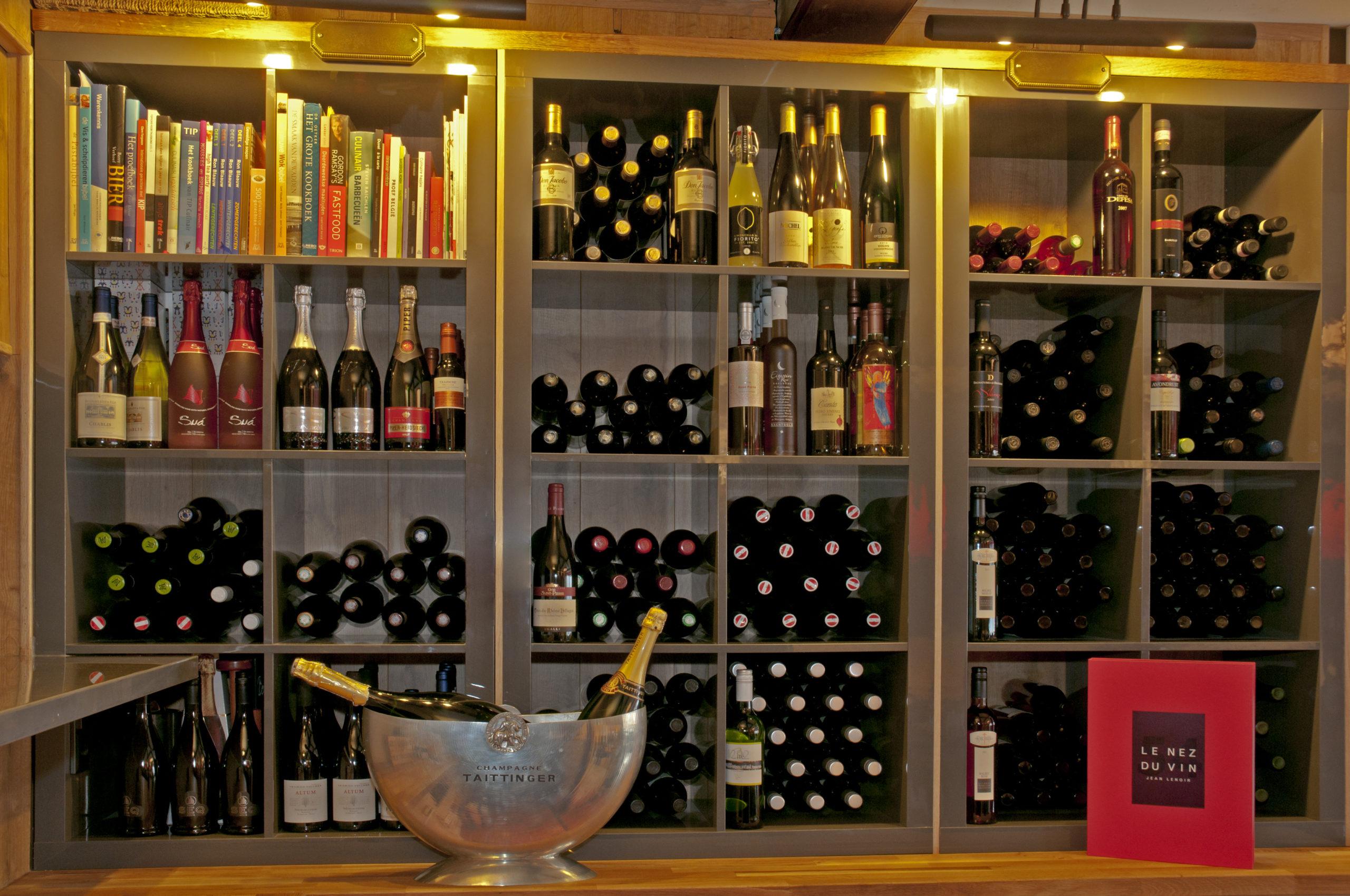 Elders wijnkast